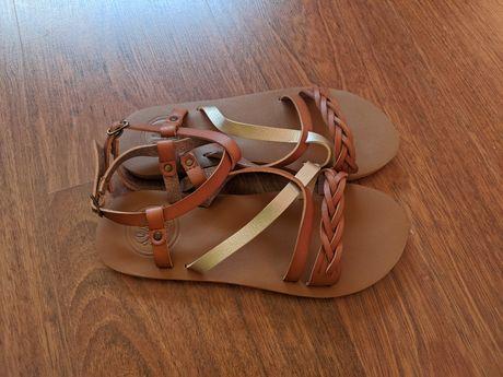 Sandálias 36 novas
