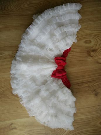 Tiulowa piękna sukieneczka