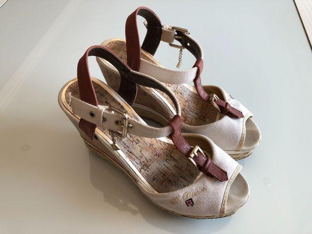Sandálias brancas em cunha da Haity - tamanho 37