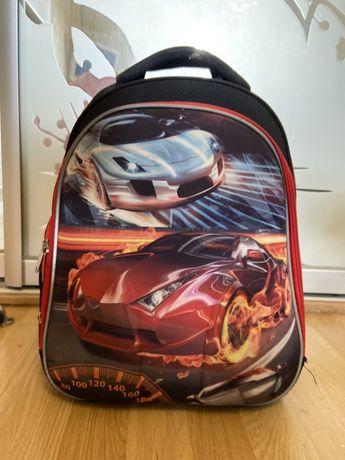 Продам рюкзак в школу 1-4 класс