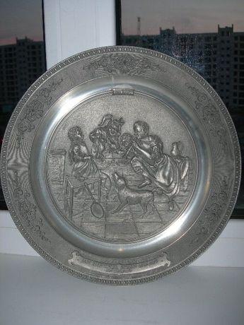 Тарелка, барельеф, олово, 26 cм, Германия