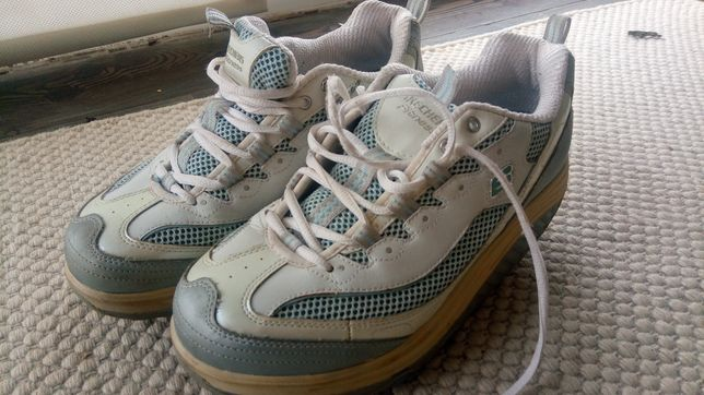 Новые женские кроссовки SKECHERS р39.5