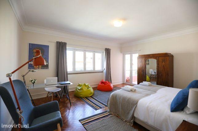 Room, Home XXI, Av.João XXI