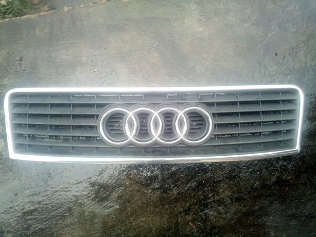 Grill / atrapa Audi A6 C5