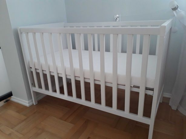 Łóżeczko dziecięce z materacem Ikea SUNDVIK+ ikea SKÖNAST - jak nowe