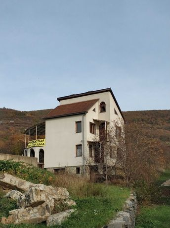 Продається новий будинок у Виноградові