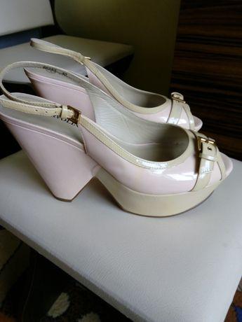 Туфли лаковые 40 размер