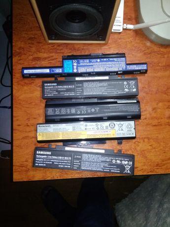 Продам 5 батареек на ноутбуки .