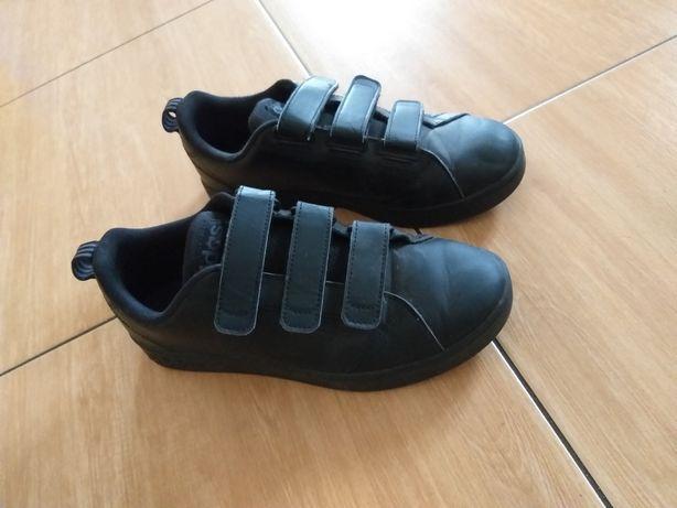Buty Adidas czarne rozm 38 i 2/3 rzepy