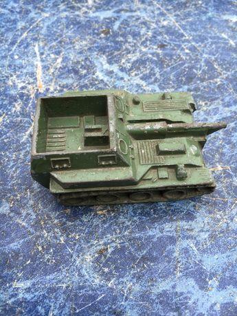 Продам Модель игрушка САУ танк СССР 1:72 в коллекцию