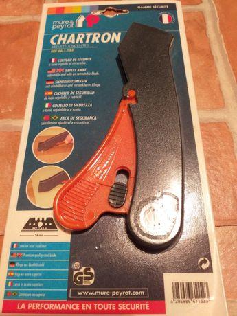 Nóż bezpieczny z ukrytym ostrzem