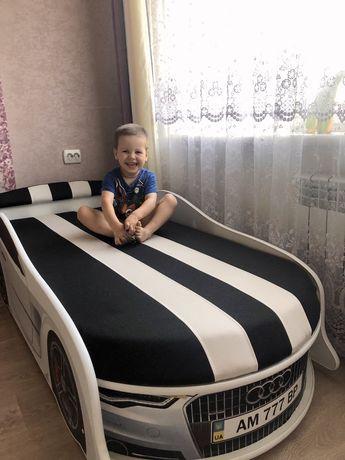 Детская кровать машина.Бесплатная доставка по Украине.