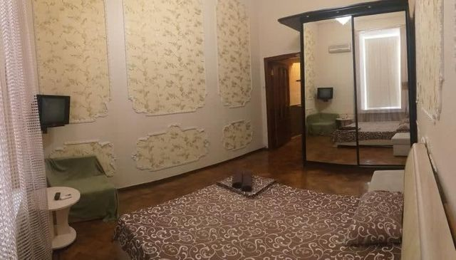 Продам 1 комн квартиру метро Площадь Конституции