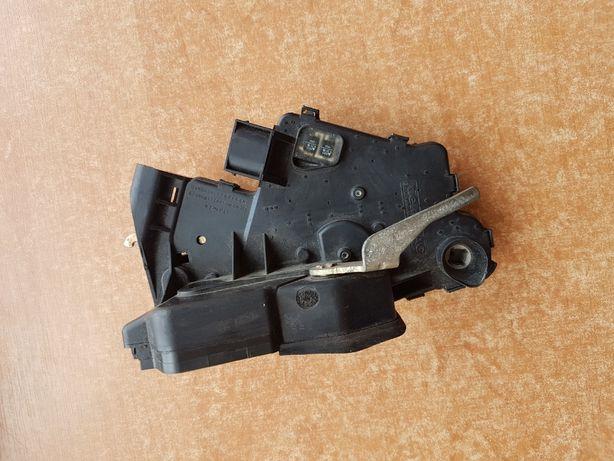 Zamek przedni lewy Bmw E46 7 pinów