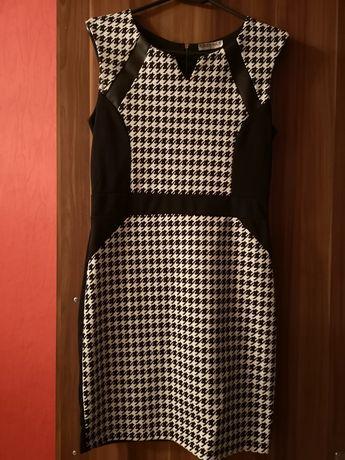 Sukienka pepitka czarno biała