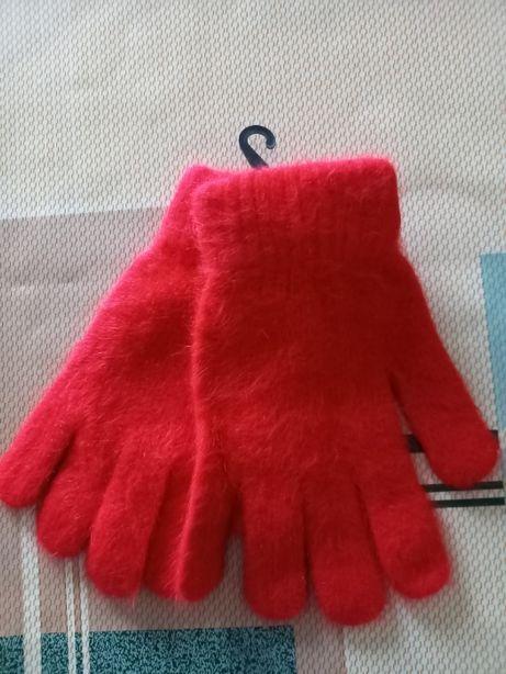 Красные перчатки из ангоры