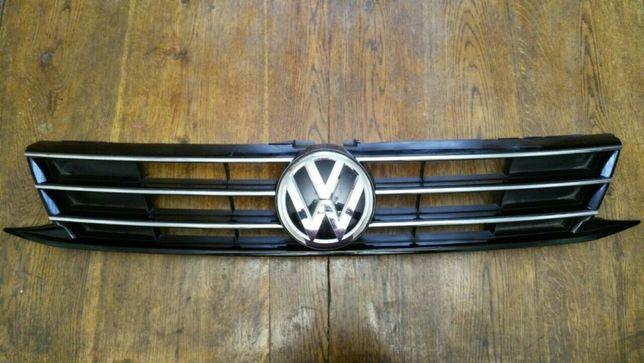 Решетка радиатора рестайл. Новая. VW . Volkswagen. Jetta 2014- 2017.