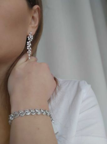 Komplet ślubny długie lekkie kolczyki + bransoletka z kryształkami