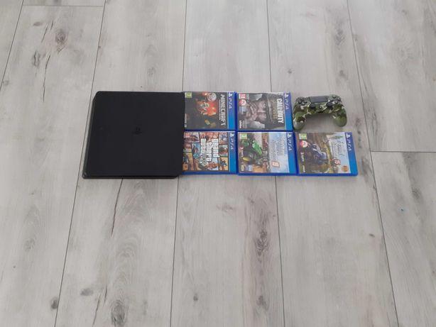 Sprzedam konsolę PlayStation + gry.