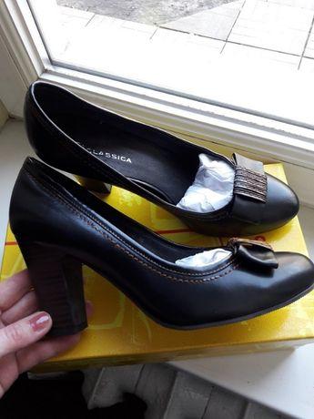 новые кожаные туфли 38 размер
