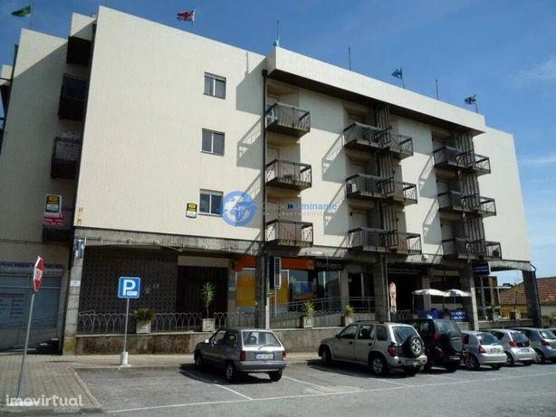 Loja de centro comercial na Vila de Prado