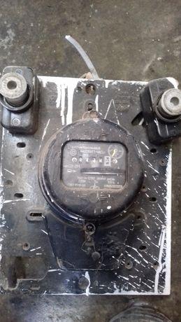 Однофазний електролічильник Панель для електролічильника, пробки