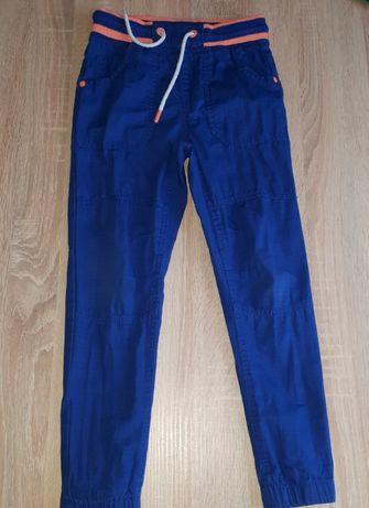 Spodnie dla chłopca rozm. 122