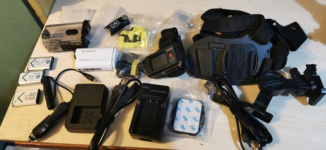 Kamera sportowa SONY HDR AS 200V plus dodatki