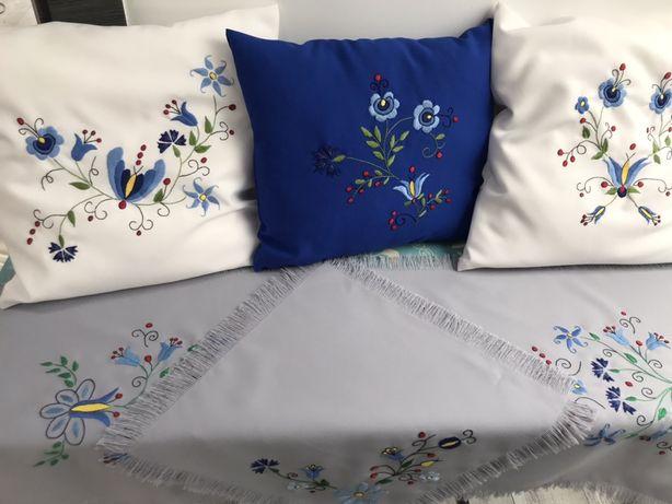 Poduszki z haftem kaszubskim ręcznie wyszywanym