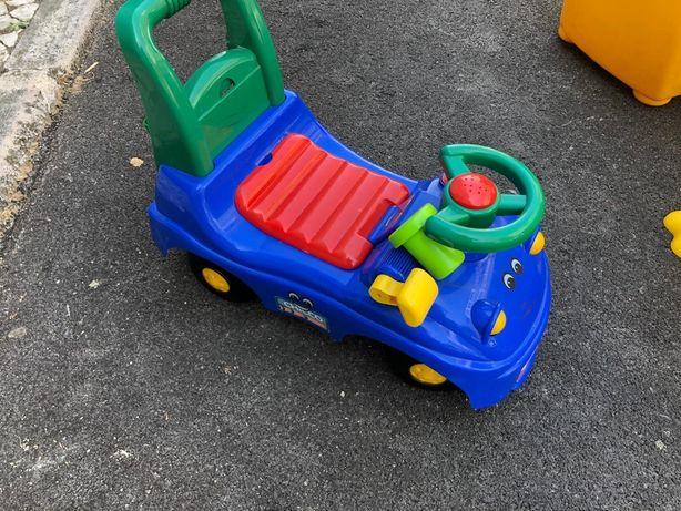 Brinquedo carrinho bebe