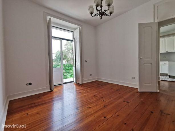 Casas Apartamento T5 para Arrendar em Lisboa