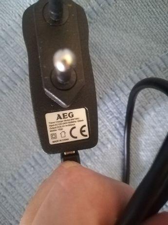 Carregador de telemóvel AEG