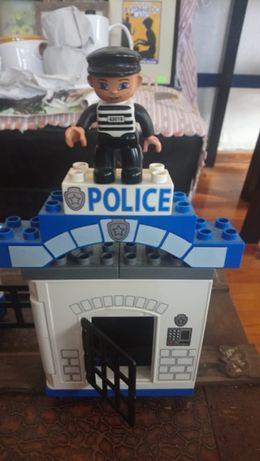 Lego Esquadra Figura Prisioneiro Preso Presidiário e carrinha Polícia