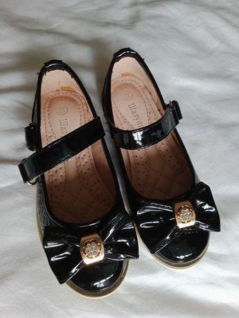 Туфли девичьи 25 размер