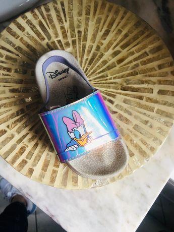 Sandálias da Disney da margarida