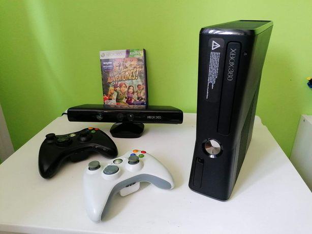 Xbox 360 slim, Kinect,  2 pady