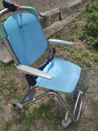 Продам кресло кому нужно
