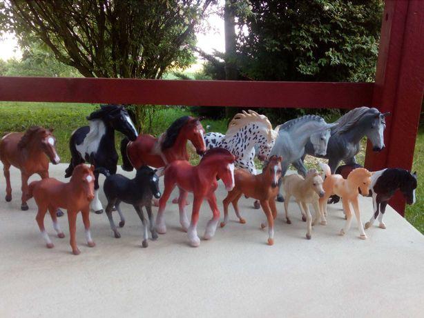 Konie figurki