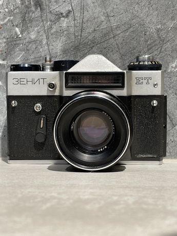Фотоаппарат Zenit ET в идеальном состоянии