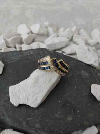 Złoty pierścionek z szafirami i brylantami (750)