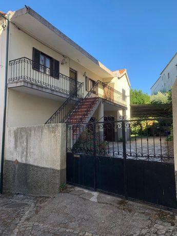 Moradia T3 com quintal de 3500 m2