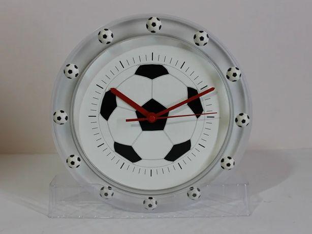 Футбольный мяч. Настенные часы Футбол.