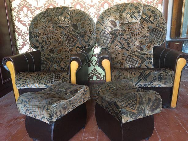 Мягке крісло