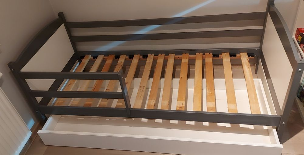 Łóżko dziecięce z materacem 190x 80 cm Kościan - image 1