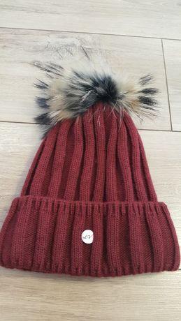 Nowa czapka pompon z naturalnego futra jenota