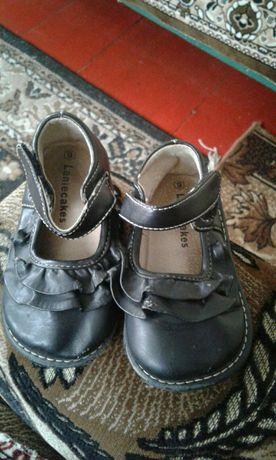 Продам не дорого туфельки на девочку