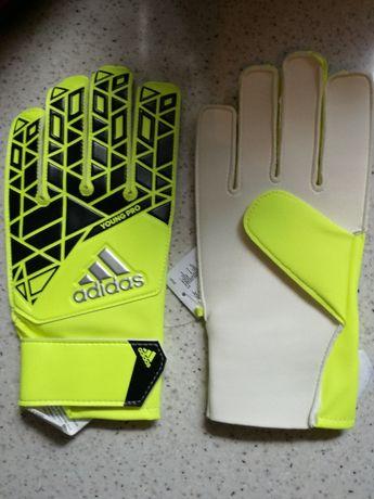 Rękawice piłkarskie Ace Young Pro - żółty Rozmiar: obw. dłoni: 22,85 -
