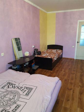 Здається кімната в 4-х кімнатній квартирі 1500+кп. Від власника. Чайка