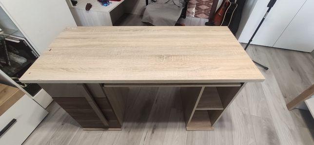 Masywne i porządne biurko