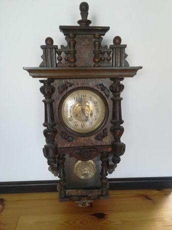 Stary zegar wiszący sprawny